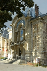 Théâtre municipal - This building is indexed in the Base Mérimée, a database of architectural heritage maintained by the French Ministry of Culture,under the reference PA27000053 .