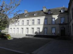 Ancien évêché (hôtel de ville) - Français:   Hôtel-de-Ville de Saint-Pol-de-Léon (29).