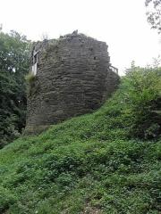 Château de Penhoat - Français:   Ruines de la tour nord du château de Penhoat en Saint-Thégonnec (29).