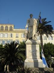 Monument commémoratif de Napoléon Ier - Français:   Statue de Napoleon Ier