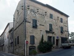 Maison médiévale gothique, ancien hôpital Saint-Jacques -  Old Hospital Saint James.
