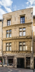 Immeuble - English: Facade of the building at 17 rue des Marchands in Nîmes, Gard, France