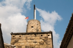 Tour médiévale, anciennement appelée tour romaine -   Medieval tower, topped the nineteenth century with a turret used for supporting the mastof the Chappe  telegraph that it is a 2010 restritution..