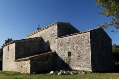 Chapelle Saint-Nazaire de Marissargues -  The Carolingian chapel with flat chevet would be decorated with frescoes.