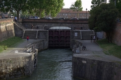 Ecluse double Saint-Pierre sur le Canal de Brienne - English: Saint-Pierre's Lock at Toulouse