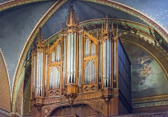 Eglise Saint-Martin - English:  Castelnau-d'Estrétefonds. Church of St. Martin. Aristide Cavaillé-Coll's tribune organ performed between 1850 and 1856. The initially experimental instrument with four keyboards modified for an