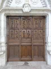 Chapelle Notre-Dame de Cahuzac - Porte sculptée des douze apôtres de la chapelle Notre-Dame de Cahuzac à Gimont.