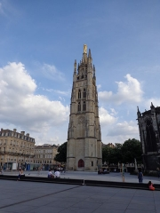 Monument élevé à la mémoire des Girondins - Italiano: Cattedrale di Bordeaux