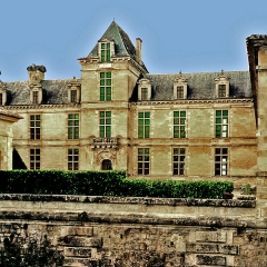 Château Chavat - This building is classé au titre des Monuments Historiques. It is indexed in the Base Mérimée, a database of architectural heritage maintained by the French Ministry of Culture, under the references PA00083500   and IA33000088 .