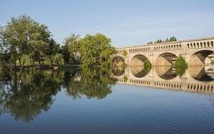 Canal du Midi : pont-aqueduc - English: Pont-canal de l'Orb. Béziers, Hérault, France