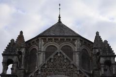 Eglise de la Sainte-Trinité-Notre-Dame - Français:   Extérieur de l\'église Sainte-Trinité de Tinténiac (35). Vue méridionale de la coupole du chœur.
