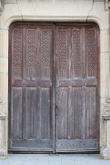 Eglise de la Sainte-Trinité-Notre-Dame - Église Sainte-Trinité de Tinténiac (35). Porte des morts. Détail.