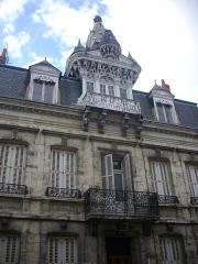 Maison à lucarne de type compagnonnique - Français:   Immeuble, 72 rue de la Gare, Châteauroux (Indre, France)