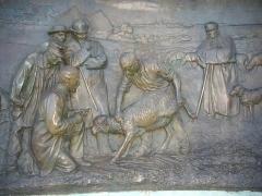Eglise Notre-Dame - Monument à Pasteur, Chartres (Eure-et-Loir, France): détail