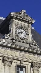 Bourse du Travail - Français:   Vue de l\'Horloge de la bourse du travail de Saint-Etienne, chef-lieu du département de la Loire. Le bâtiment est l\'oeuvre de Léon Lamaizière qui, outre cette construction, a fortement marqué l\'urbanisme stéphanois par de nombreuses réalisations architecturales.
