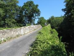 Pont de la Bajasse (également sur commune de Fontannes) - Français:   Fontannes, Vieille-Brioude, pont de la Bajasse