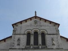 Eglise Notre-Dame - Façade principale de l'église Notre-Dame de Clisson (44).