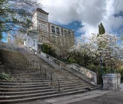 Ancien observatoire de la Marine - English: Vue des Jardins vers le Musée Jules Vernes. 3 Rue de l'Hermitage, Nantes.