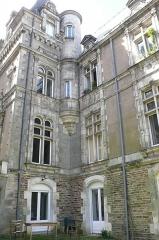 Hôtel Leglas-Maurice - Français:   Hôtel Leglas-Maurice, façade SE, angle avec escalier, 134 boulevard Bellamy