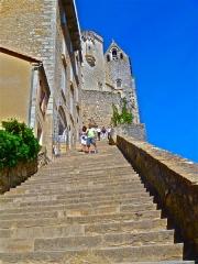 Parvis et escaliers de la cité religieuse - Français:   Parvis et escaliers de la cité religieuse (Classé)