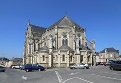 Eglise Sainte-Croix - Nederlands: Rochefort-sur-Loire (departement Maine-et-Loire, Frankrijk): de Heilig-Kruiskerk (Église Sainte-Croix)