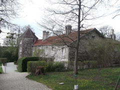 Maison dite la Boisserie - This building is indexed in the Base Mérimée, a database of architectural heritage maintained by the French Ministry of Culture,under the reference PA52000023 .