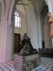 Chapelle Sainte-Croix -  Cathédrale de la Sainte-Trinité de Laval, Mayenne, Pays de la Loire. Monument funéraire de Mgr Wicart.