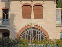 Eglise Saint-Martin -  Façade de la villa Les Glycines du négociant Charles Fernbach, construite en 1902-1903 dans le parc de Saurupt à Nancy par l'architecte Émile André (1871-1923) de l'École de Nancy.