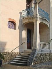 Eglise Saint-Martin - Entrée de la villa Les Glycines du négociant Charles Fernbach, construite en 1902-1903 dans le parc de Saurupt à Nancy par l'architecte Émile André (1871-1923) de l'École de Nancy.