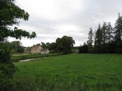 Château des Forges de Lanouée - Français:   Communs du château