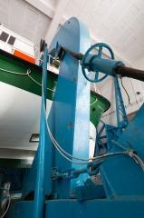 Station de sauvetage en mer de la commune d'Etel, sise dans l'extrémité sud du quai sur la rivière d'Etel - Français:  Bossoir de la station de sauvetage en mer d'Étel (France)