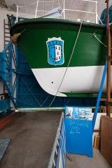 Station de sauvetage en mer de la commune d'Etel, sise dans l'extrémité sud du quai sur la rivière d'Etel - Français:   Étrave du canot de sauvetage «patron Émile Daniel» de la station de sauvetage en mer d\'Étel (France).
