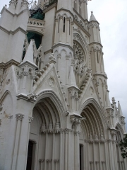 Eglise Notre-Dame du Saint-Cordon - façade de l'église