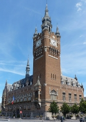 Hôtel de ville - English: The city hall/town hall and the belfry of Armentières, France.