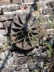 Ancienne fosse Mathilde de la compagnie des mines d'Anzin - La fosse Mathilde de la Compagnie des mines d'Anzin était un charbonnage du bassin minier du Nord-Pas-de-Calais constitué d'un seul puits situé à Denain, Nord, Nord-Pas-de-Calais, France.