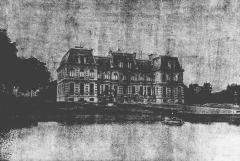 Château d'Assignies dit le Petit Rouge -  Le château d'Assignies.