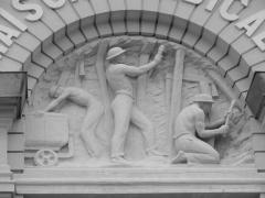 Ensemble des bâtiments formant la maison syndicale des mineurs - Français:   Maison syndicale des mineurs de la Compagnie des mines de Lens, Lens, Pas-de-Calais, Nord-Pas-de-Calais, France. La maison syndicale est inscrite sur la liste du patrimoine mondial par l\'Unesco le 30 juin 2012 et y constitue le site no 66.