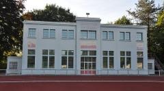 Stade-parc et école de natation - Français:   Stade-parc et école de natation de Bruay-la-Buissière, Rue Hulluch Rue Auguste-Caron (Inscrit, 1997)