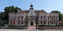 Hôtel de ville - French photographer and Wikimedian