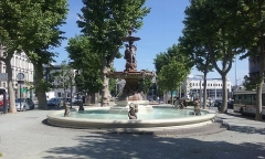 Fontaine Delille - English: Square Delille with the Delille Fountain, Clermont-Ferrand, Auvergne, France.