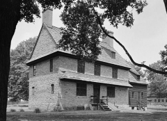 Eglise protestante Saint-Paul de Koenigshoffen -  Brinton 1704 House — Oakland Road in Birmingham Township.   Dilworthtown vicinity — Delaware County, Pennsylvania. A Historic American Buildings Survey—HABS image. (cropped)
