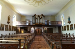 Eglise catholique Saint-Nicolas -  Alsace, Bas-Rhin, Neuve-Église, Église Saint-Nicolas (PA67000057, IA67009451): Vue intérieure de la nef vers la tribune d'orgue.