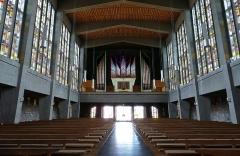 Eglise catholique Saint-Etienne -  Alsace, Bas-Rhin, Seltz, Église Saint-Étienne (PA67000069, IA67007467): Vue intérieure de la nef vers la tribune d\'orgue.