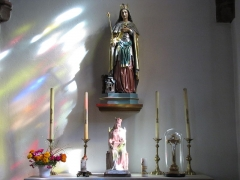 Eglise catholique Saint-Etienne -  Alsace, Bas-Rhin, Seltz, Église Saint-Étienne (PA67000069, IA67007467): Chapelle Sainte-Adelaïde, Statues néo-gothique et moderne.