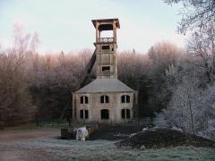 Chevalement du puits Sainte-Marie - Polski: Stary szyb kopalniany w Ronchamp (Francja).