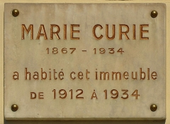 Immeuble - English: Plaque Marie Curie at 36 Quai de Béthune in 4th district of Paris, France. Marie Curie was lived in this house since 1912 to 1934