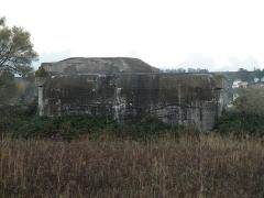 Encuvement sur abri pour canon de 50 mm antichar - Français:   Blockhaus sur le bord de la Route Industrielle à Gonfreville-l\'Orcher.