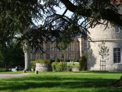 Château - English: Castle of la Houssaye en Brie, Seine et Marne, Ile de France