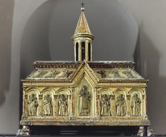 Eglise Saint-Sauveur - English:  Castelsarrasin Tarn-et-Garonne, France - The shrine of Saint Alpinien.