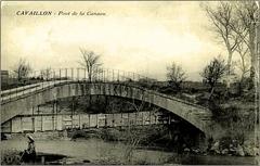 Pont aqueduc de la Canaù, ouvrage d'art du canal Saint-Julien sur la rivière le Coulon, situé au quartier Entre-Deux-Vallats - Français:   Cavaillon le pont aqueduc de la Canaù